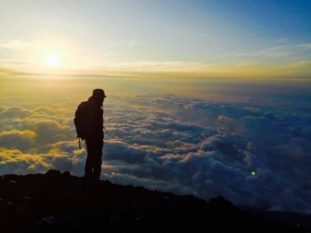 富士山頂雲海.jpg
