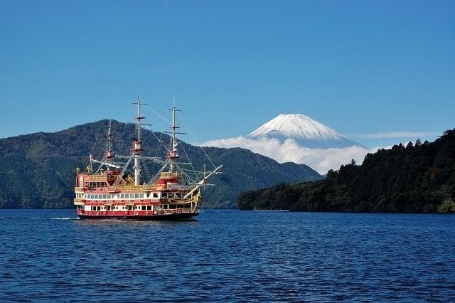 富士_芦ノ湖海賊船.jpg